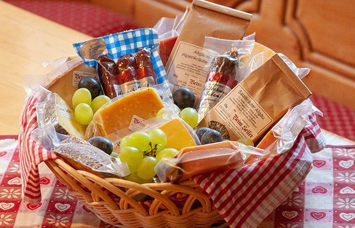 Käsepaket für die Gewinner der Sommerlotterie